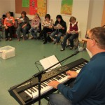 NGL_Workshop_m_Robert_Haas_-Bei_uns_da_ist_was_los_m_Kinderliede_011